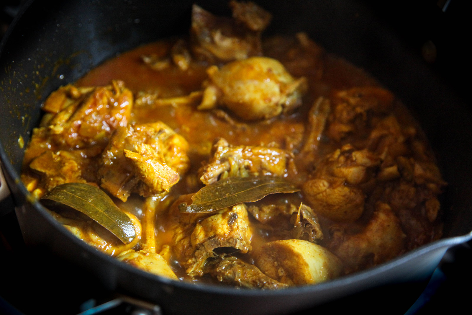 Cooking chicken & potatoes for Munim's Bangladeshi Chicken Curry